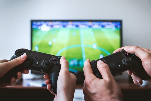 12 best online games to play with friends on PC