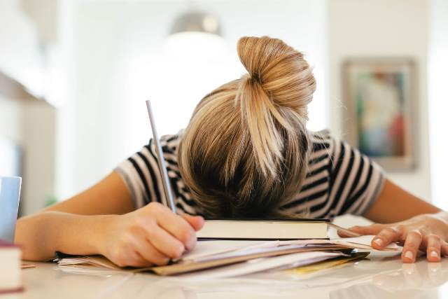 4 reasons to stop assigning school homework to students