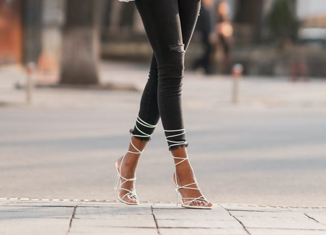 How to wear heels all day without feeling pains